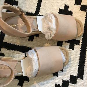 Enzo Angiolini Shoes - New Enzo Angiolini Petrina beige wedge heel sandal